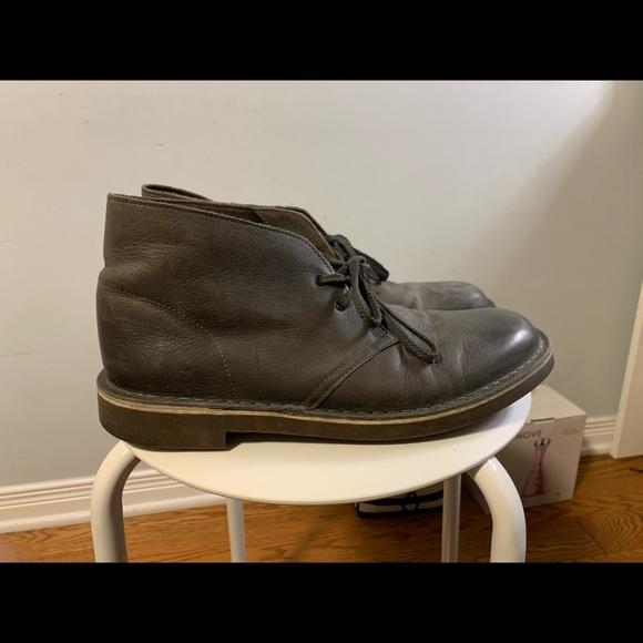 Men's Clarks desert boots size 8.5 US